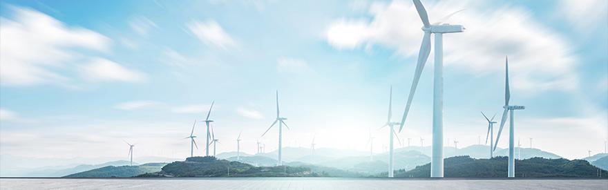 Do 2040 roku połowa mocy będzie zainstalowana w OZE